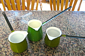 Green Grniteware Butter Melts  (Image1)