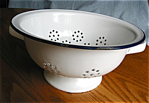 Vintage Graniteware Blue & White Collander