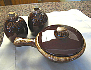 Hull Pottery Shakers & Casserole