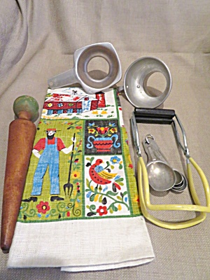 Kitchen Vintage Assortment (Image1)