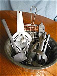 Eight Vintage Kitchen Collectible Assortment