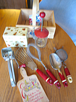 Vintage Red Kitchen Gadgets (Image1)