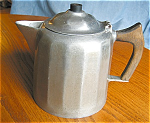 Antique Wagner Cast Aluminum Coffeepot (Image1)