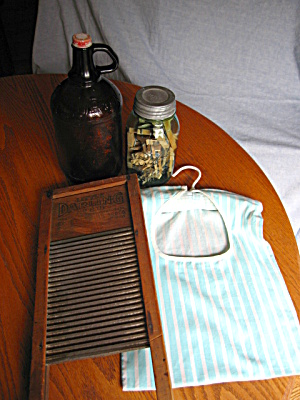 Laundry Room Collectibles (Image1)