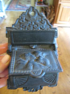 Vintage Iron Matchsafe (Image1)