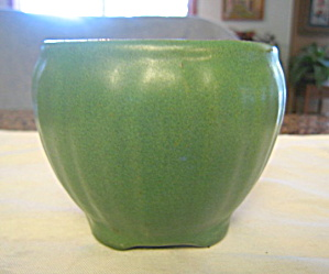 Arts & Crafts Vase Matte Green (Image1)