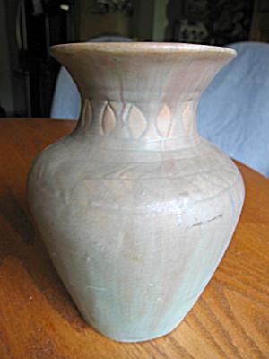 Early Arts & Crafts Matte Vase (Image1)