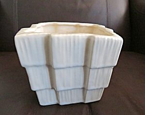 McCoy Pottery Vase Planter (Image1)