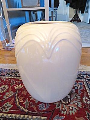 McCoy Pottery Fineforms Bijou Large Vase (Image1)