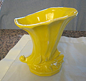 McCoy Yellow Cornocopia Vase (Image1)