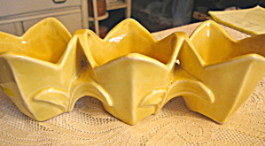 McCoy Triple Tulip Planter (Image1)
