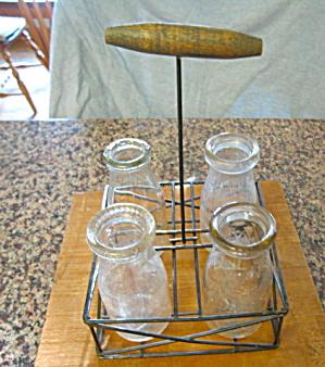 Milk Bottles Vintage w/Wire Rack  (Image1)