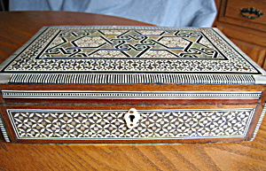 Vintage Mop Inlay Box