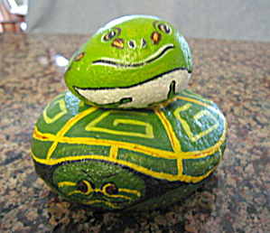 Hand Painted Frog and Turtle Rocks (Image1)