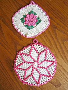 Retro Pink Crocheted Potholders