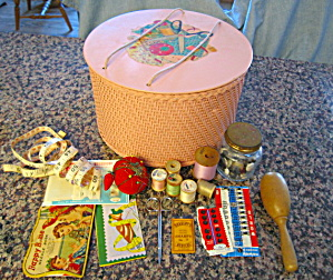 Vintage Sewing Basket Princess  (Image1)