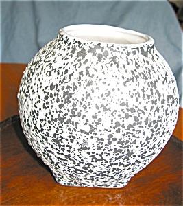 Shawnee Pottery Confetti Vase (Image1)