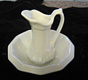 Red-Cliff Ironstone Mini Pitcher & Bowl (Image1)