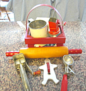 Kitchen Red Collectibles (Image1)