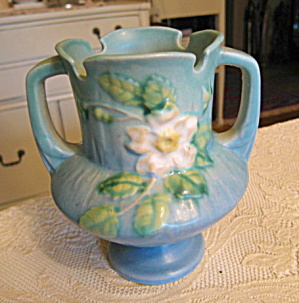 Roseville Pottery White Rose Vase (Image1)