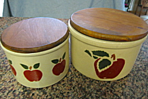 RRP Stoneware Crocks Apples (Image1)