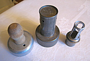 Vintage Kitchen Cutters And Juice Extractor