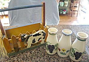 Santa Ana Milk Bottles w/Basket (Image1)
