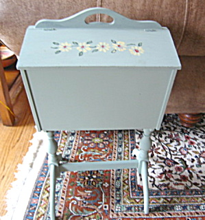 Vintage Painted Sewing Caddy w/Notions (Image1)