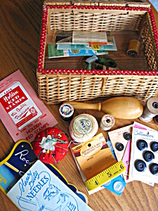 Vintage Sewing Basket and Notions (Image1)