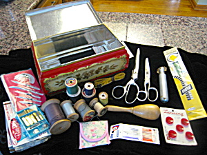 Vintage Sewing Tin Box & Notions (Image1)