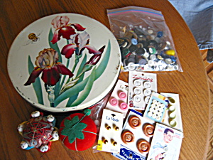 Vintage Tin and Sewing Collectibles (Image1)