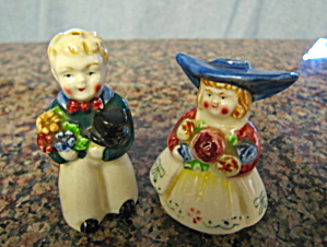 Vintage Dutch People Shakers (Image1)