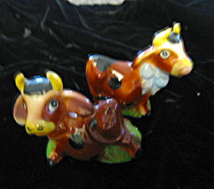 Vintage Ceramic Cow Shakers (Image1)