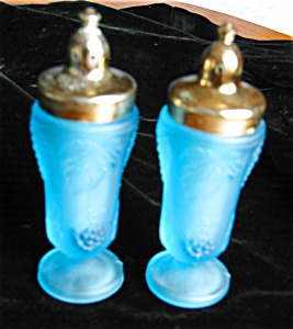 Satin Glass Shakers (Image1)