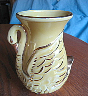 Vintage Shawnee Pottery Swan Vase (Image1)