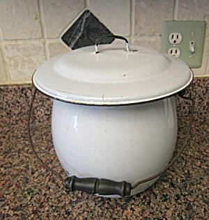 Graniteware Slop Bucket Vintage (Image1)