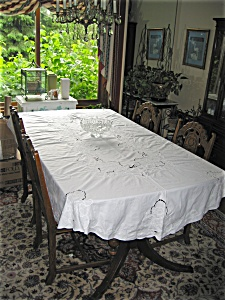 Battenberg Lace Tablecloth (Image1)