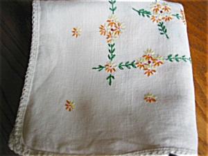 Vintage Linen Tablecloth (Image1)