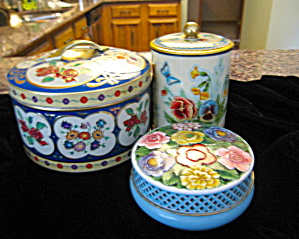 Assorted Vintage Tins (Image1)