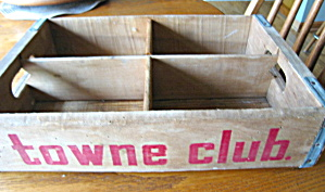 Towne Club Vintage Wood Carrier