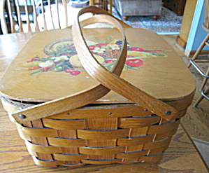 Vintage Picnic Basket (Image1)