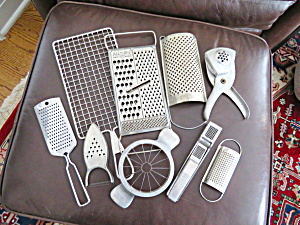 Collectible Vintage Graters (Image1)