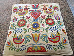 Needlework Vintage Pillow (Image1)