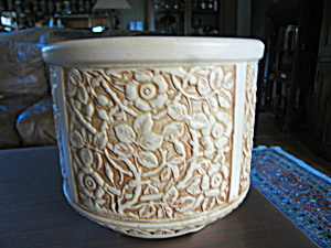 Weller Pottery Ivory Jardiniere (Image1)