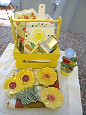 Vintage Collectible Yellow Kitchen (Image1)