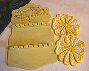 Recycled Spoonrest & Potholders (Image1)