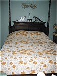 Click here to enlarge image and see more about item bed05051: Vintage Cannon Coverlet