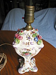 Click here to enlarge image and see more about item capodimonte9308: Vintage Capodimonte Italian Budoir Lamp