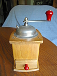 Click here to enlarge image and see more about item coffeegrinder82008: Vintage Coffeegrinder