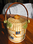 Click here to enlarge image and see more about item cookie70613: Japanese Tea Biscuit Jar Vintage